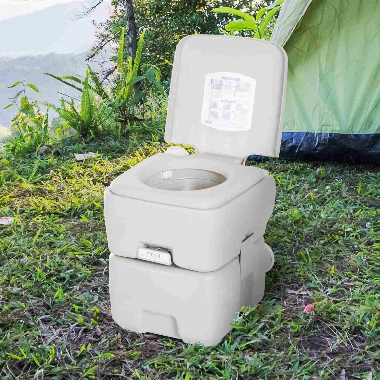 baño-quimico-portatil-uno-de-los-accesorios-para-glamping-muy-utilizado
